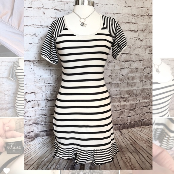 Eclipse by Nordstrom Dresses & Skirts - Cute black & white short sleeved stripped dress